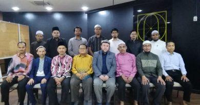 Rombongan ulama Uygur menziarahi Majlis Ulama ISMA di Pejabat ISMA